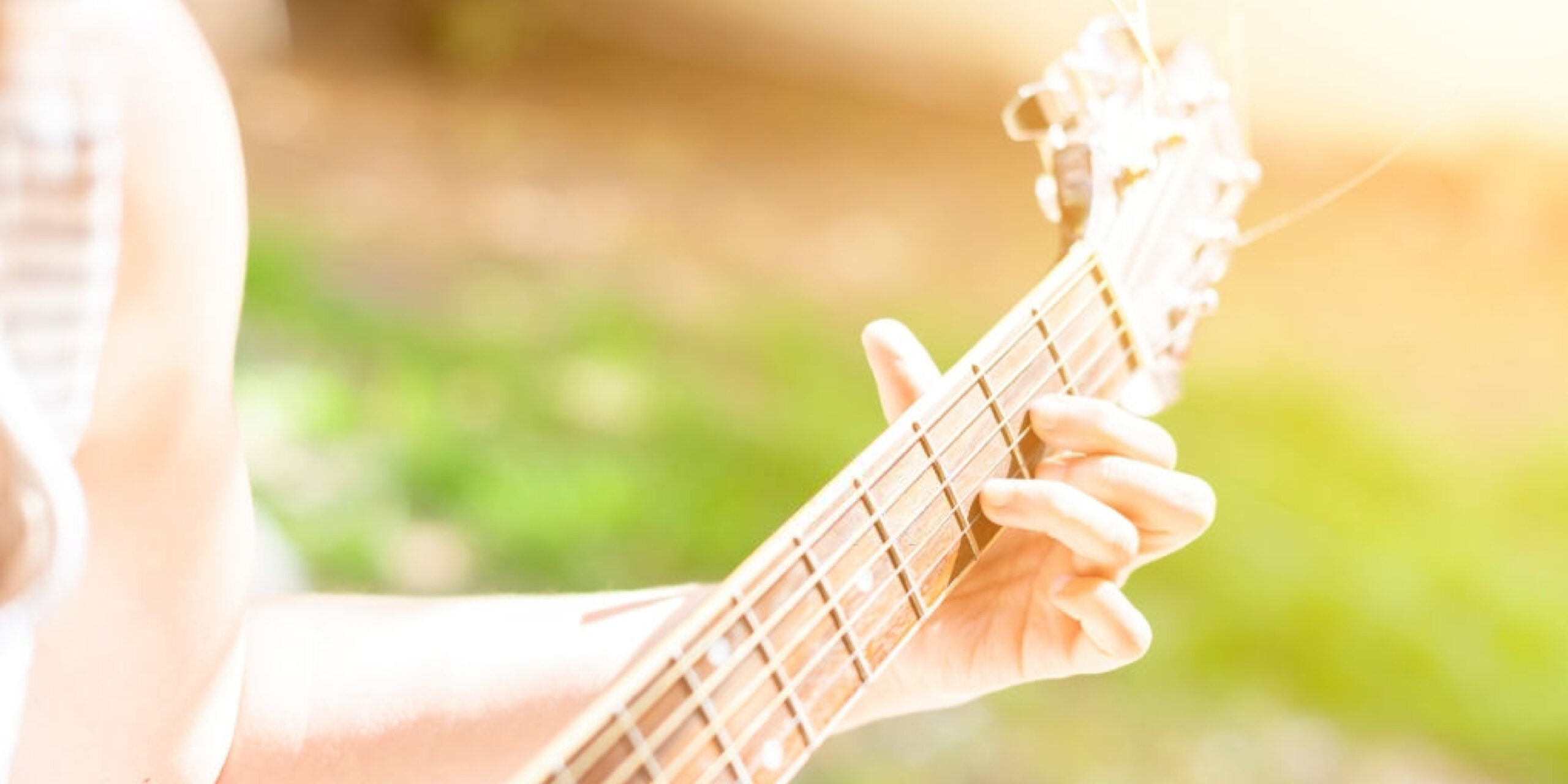 How to Finger Pick Guitar: A Comprehensive Guide