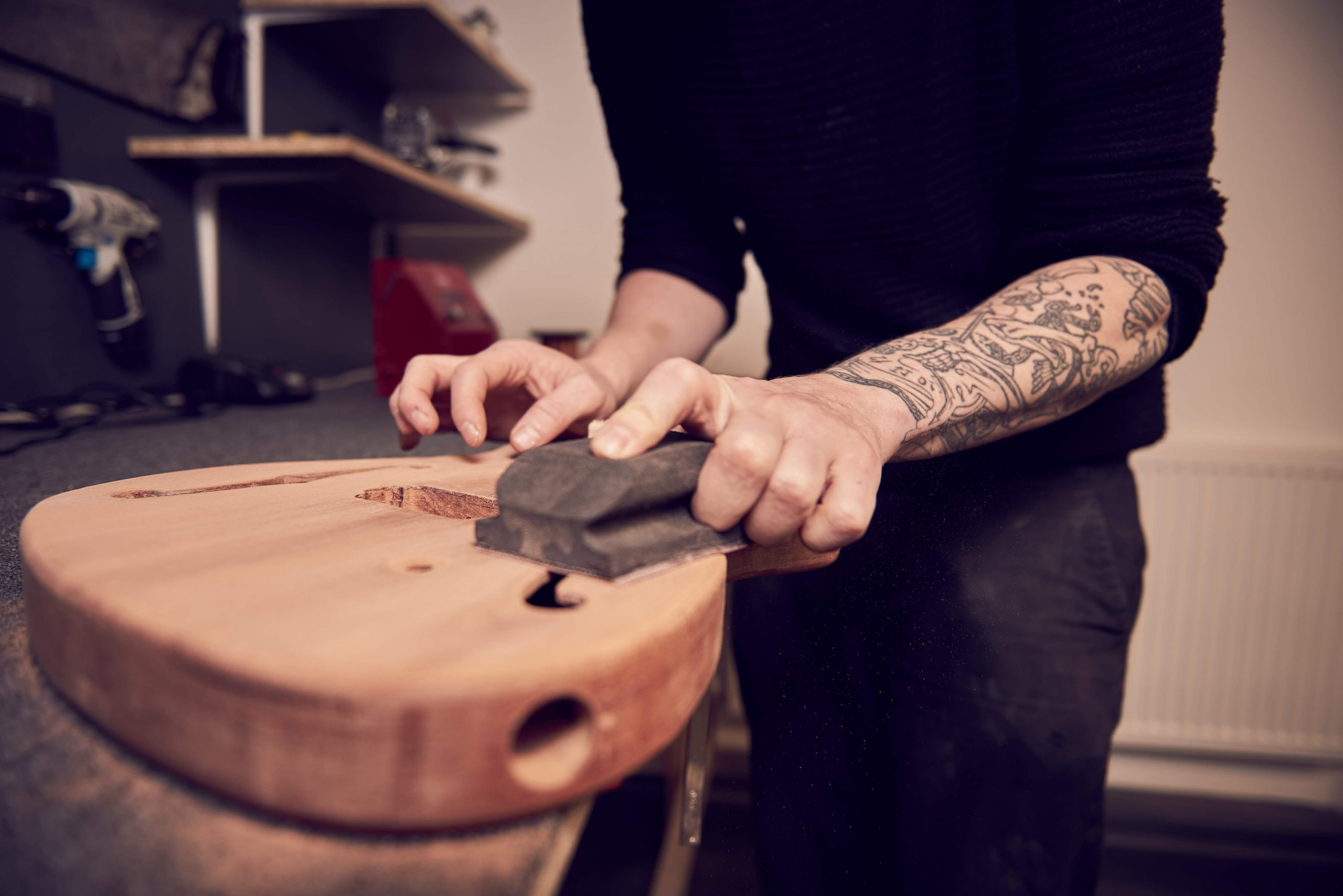 how to stain a guitar